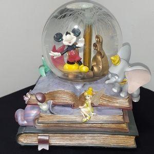 Disney Mickey Mouse Storybook Friends Snow Globe